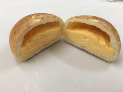 薄皮クリームパン